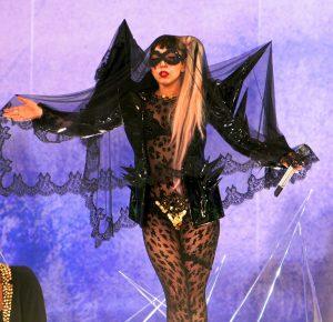 Lady_Gaga_The_Edge_of_Glory_GMA